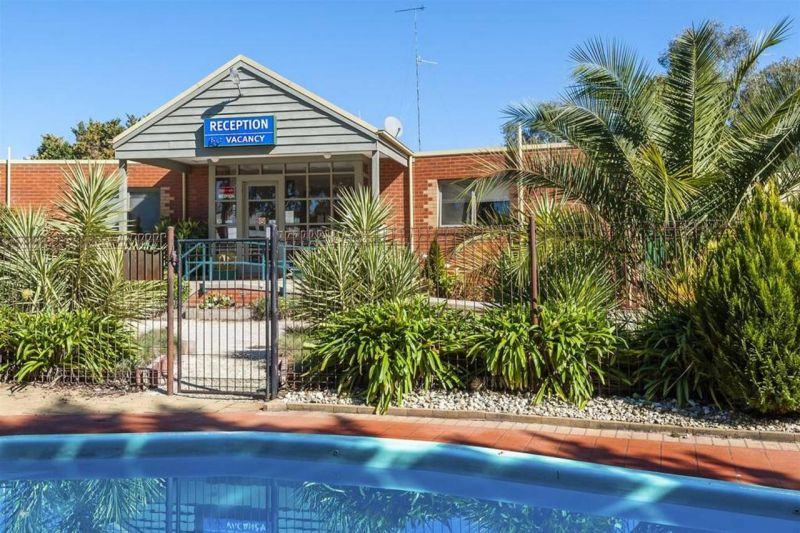 COMFORT INN COACH AND BUSHMANS - Tourism Brisbane