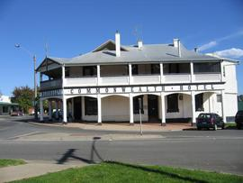Commonwealth Hotel - Tourism Brisbane