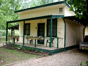 Pioneer Garden Cottages - Tourism Brisbane