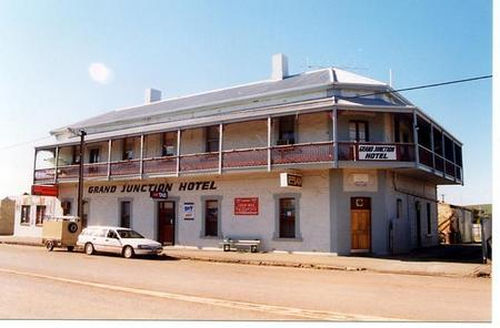 Grand Junction Hotel - Tourism Brisbane
