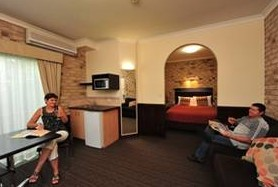 Highlander Motor Inn And Apartments - Tourism Brisbane