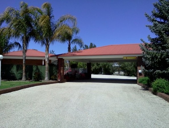 Golden Chain Border Gateway Motel - Tourism Brisbane