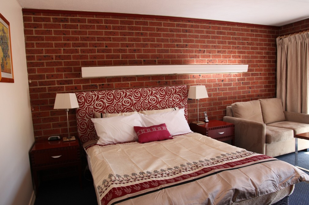 Carnegie Motor Inn and Serviced Apartments - Tourism Brisbane