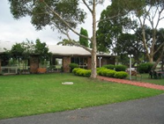 Peninsula Motor Inn and Tyabb Fly Inn - Tourism Brisbane