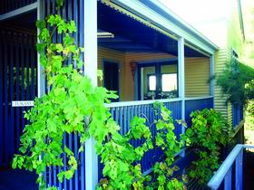Lavender Blue Country Apartments - Tourism Brisbane
