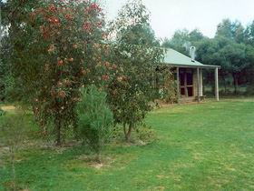 Murray's Country Cottages - Tourism Brisbane