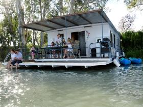 The Murray Dream Self Contained Moored Houseboat - Tourism Brisbane