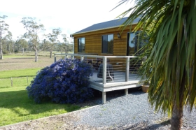 Hazelcreek Cottages - Tourism Brisbane