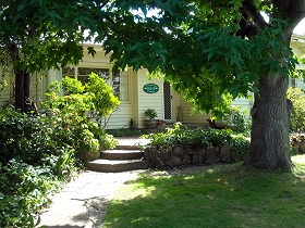 Magnolia Cottage BB - Tourism Brisbane