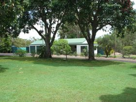 Bungadoo Country Cottage - Tourism Brisbane