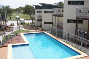 Emu's Beach Resort - Tourism Brisbane