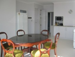 Olas Holiday House - Tourism Brisbane
