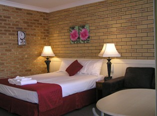 Blue Violet Motor Inn - Tourism Brisbane