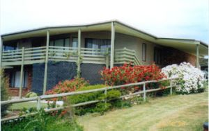 Currawong Holiday Home - Tourism Brisbane