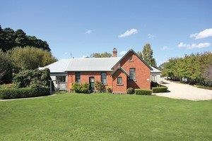 Woodend Old School House Bed and Breakfast - Tourism Brisbane