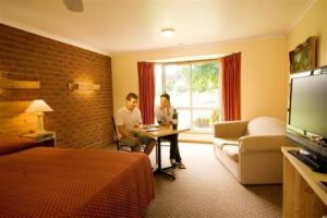 AAt 28 GOLDSMITHGolden Chain Motel - Tourism Brisbane