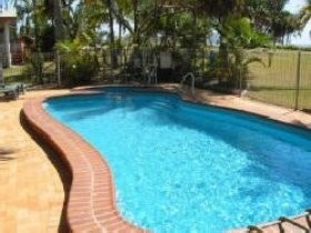Kinka Palms Beach Front Apartments/Motel - Tourism Brisbane