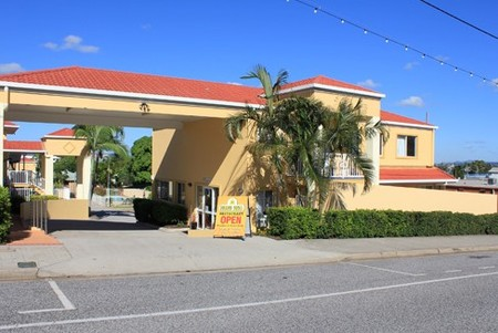 Harbour Sails Motor Inn - Tourism Brisbane