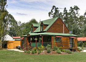 Mystic Mountains Holiday Cottages - Tourism Brisbane