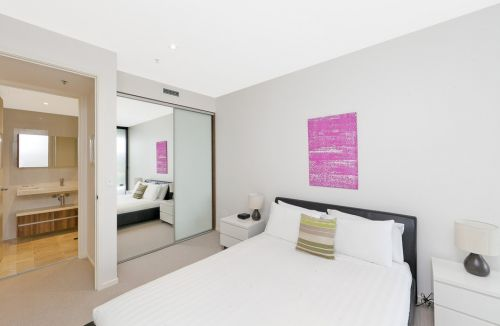 Astra Apartments Canberra - Tourism Brisbane