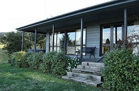 Orani Vineyard Cottage - Tourism Brisbane