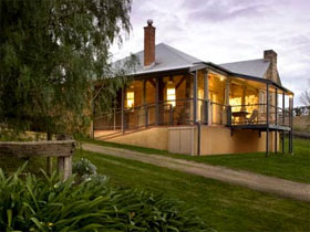 Longview Vineyard Homestead - Tourism Brisbane