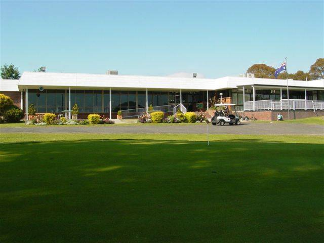 Tenterfield Golf Club and Fairways Lodge - Tourism Brisbane