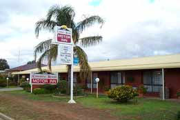 Country Roads Motor Inn - Tourism Brisbane