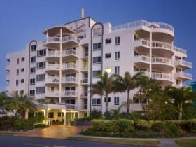 Beachside Resort - Tourism Brisbane