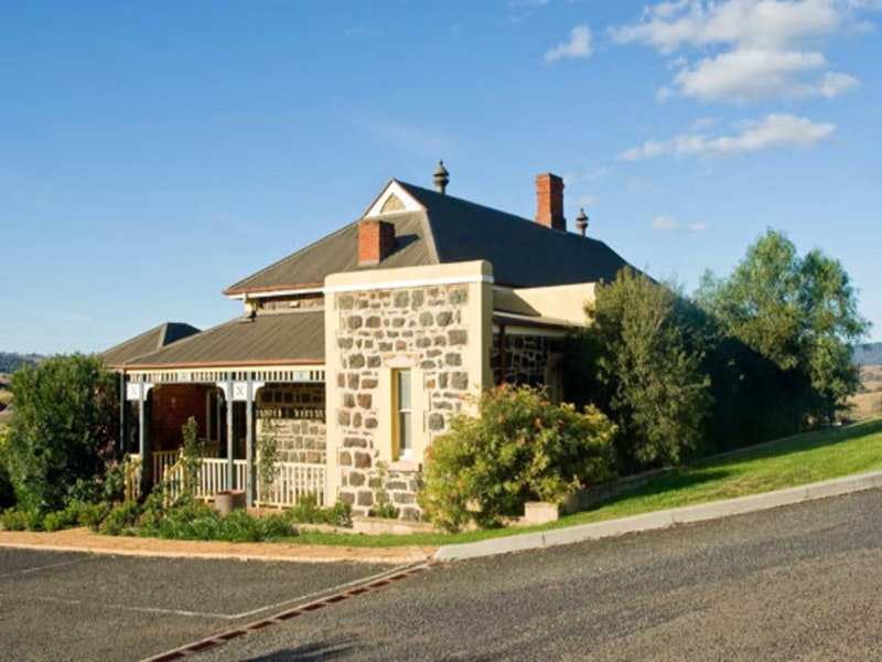 Hermitage Hill Resort - Tourism Brisbane