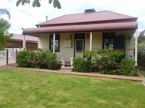 Country Cottages BB - Tourism Brisbane