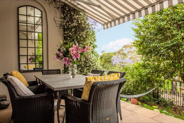 Woollahra Terrace - Tourism Brisbane