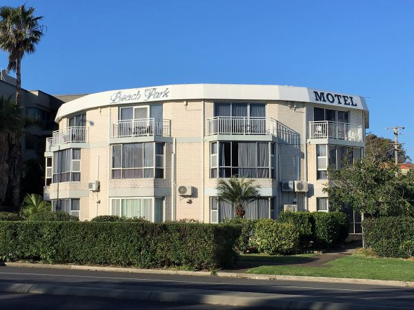 Beach Park Motel - Tourism Brisbane