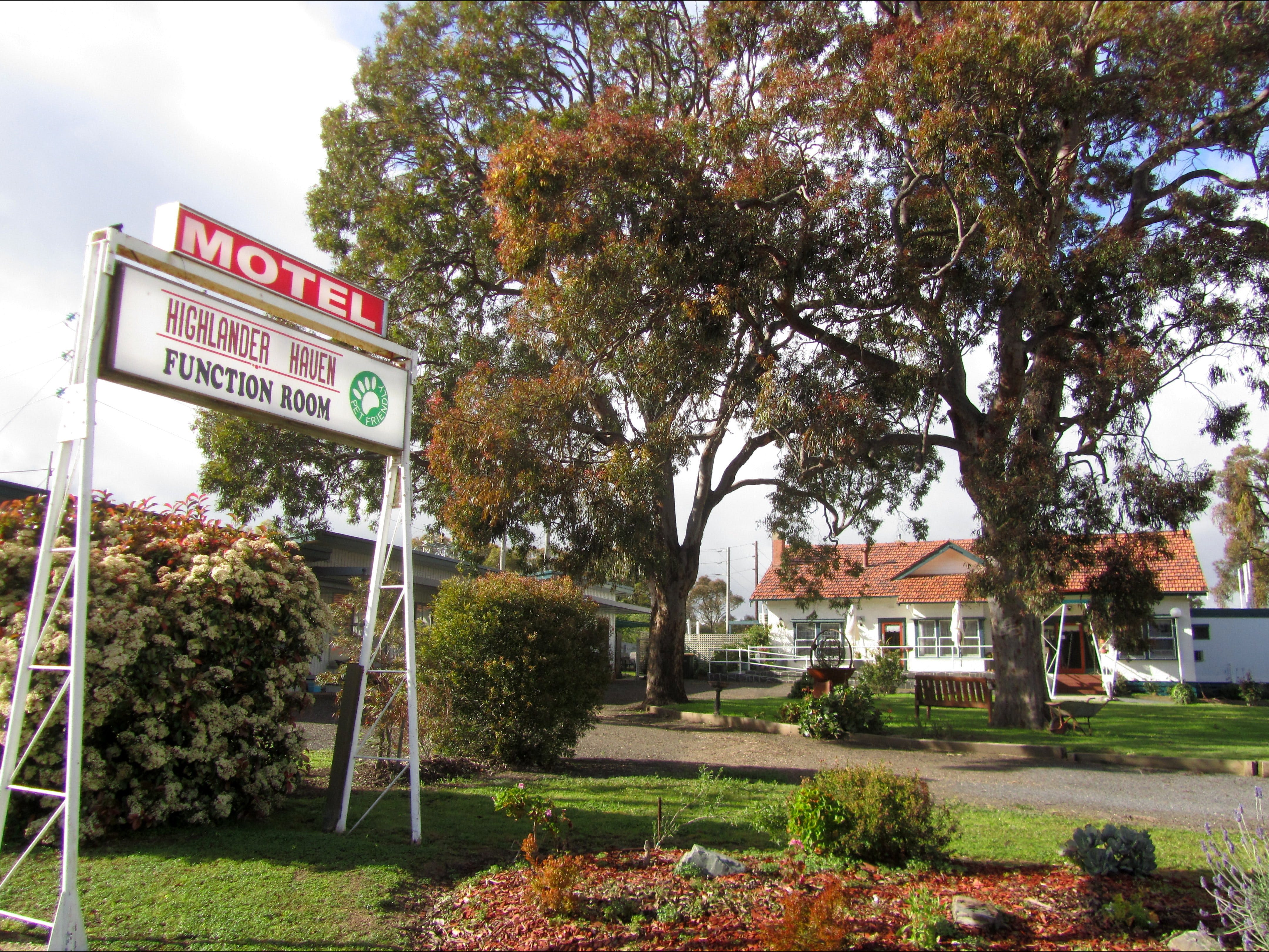 Highlander Haven Motel and Function Centre - Tourism Brisbane