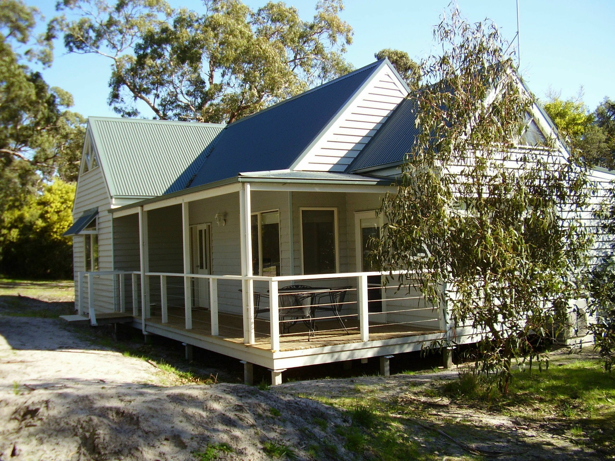 Hooked Inn Cottages - Tourism Brisbane