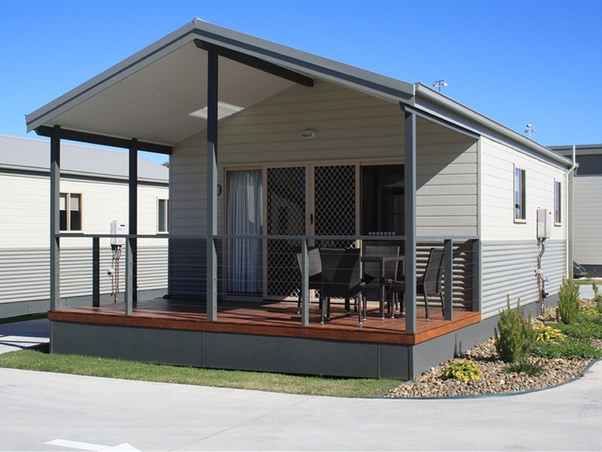 Bowlo Holiday Cabins - Tourism Brisbane