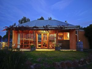 Minko Farmstay - Tourism Brisbane