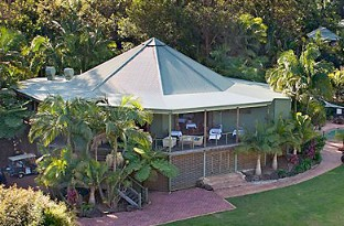 Peppers Casuarina Lodge - Tourism Brisbane
