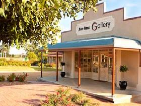 Peter Franz Fine Art Gallery - Tourism Brisbane