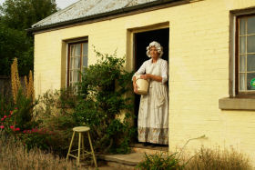 Grannie Rhodes' Cottage - Turn The Key Of Time - Tourism Brisbane