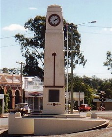Goomeri War Memorial Clock - Tourism Brisbane