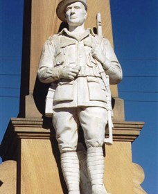 Beaudesert War Memorial - Tourism Brisbane