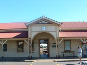 Maryborough Railway Station - Tourism Brisbane
