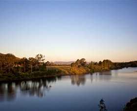 Lake Wivenhoe - Tourism Brisbane