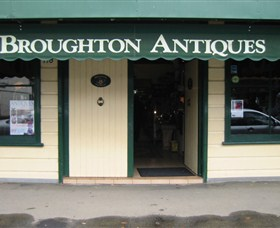 Broughton Antiques - Tourism Brisbane