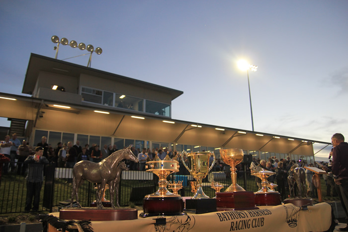 Bathurst Harness Racing Club - Tourism Brisbane