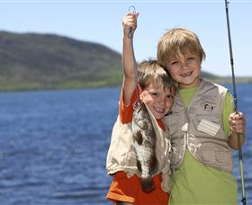 Fishing on Keswick Island - Tourism Brisbane