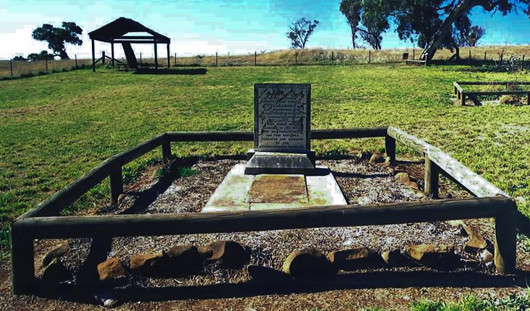Yuranighs Aboriginal Grave Historic Site - Tourism Brisbane