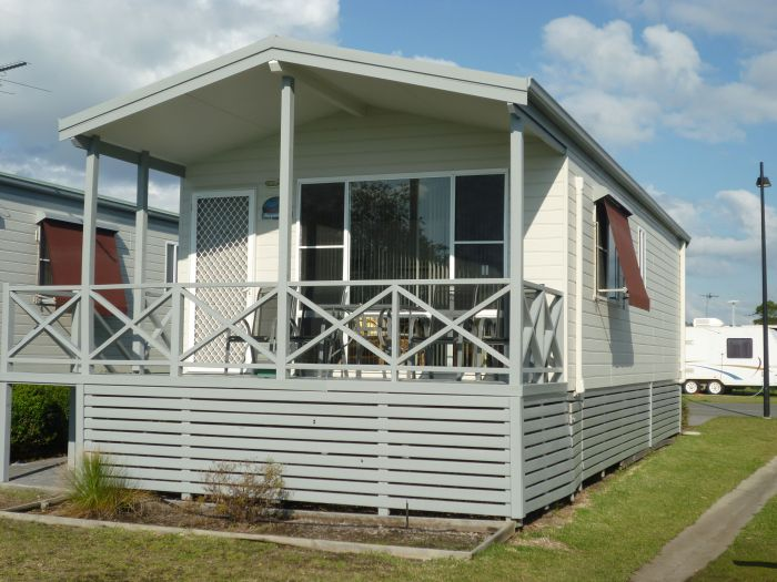 Belmont Pines Lakeside Holiday Park - Tourism Brisbane