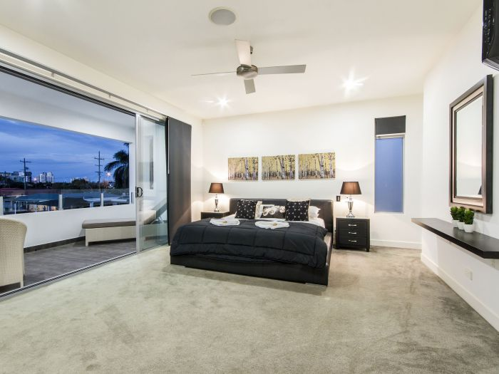 The Grand Broadbeach - Vogue Holiday Homes - Tourism Brisbane